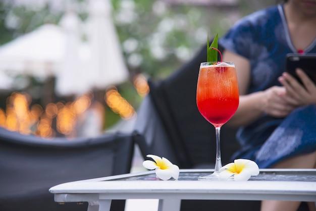 Nombre de receta de cóctel mai tai o mai thai en todo el mundo cóctel de favor