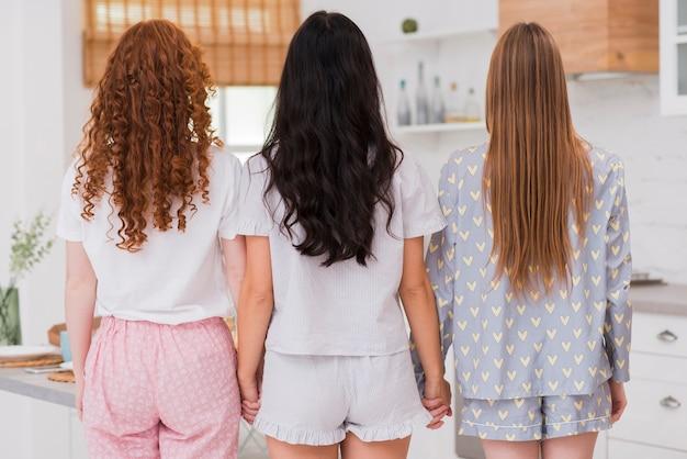 Novias con fiesta pijama