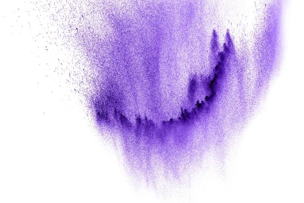 Nube de explosión de polvo de color violeta.