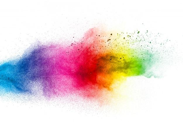 Nube de salpicaduras de polvo de color sobre fondo blanco