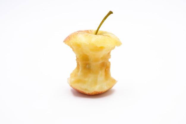 Núcleo de manzana comido