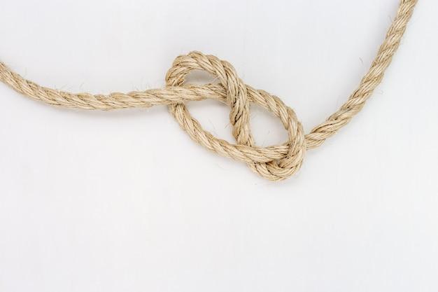 Nudo de cuerda. copia espacio