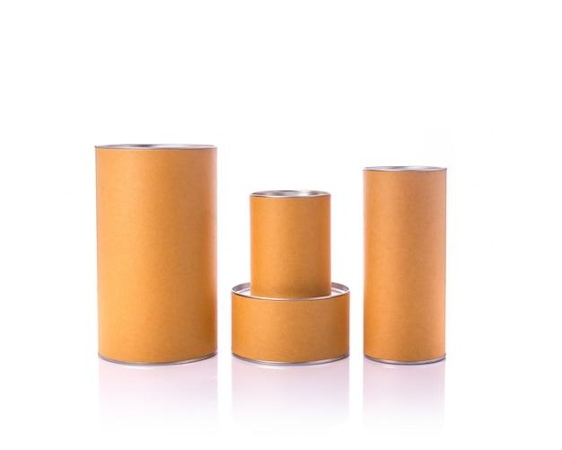 Nueva caja redonda de papel marrón con tapa plateada.