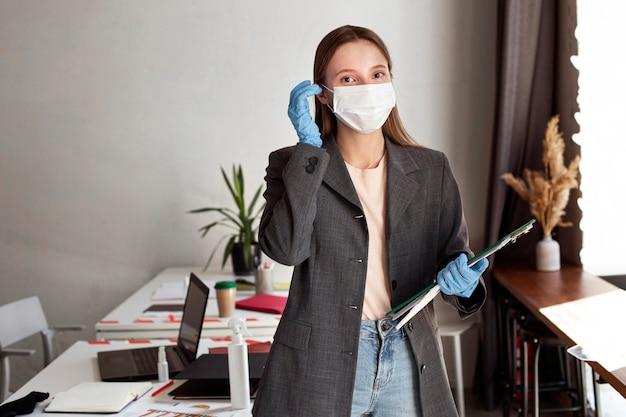 Nueva normalidad en la oficina para trabajadores corporativos