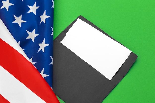 Nuevo sobre en bandera americana