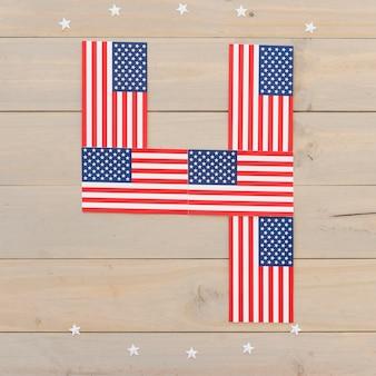 Numeral 4 de banderas americanas.