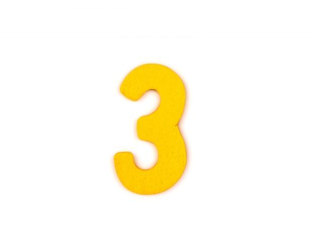 Número 3 amarillo