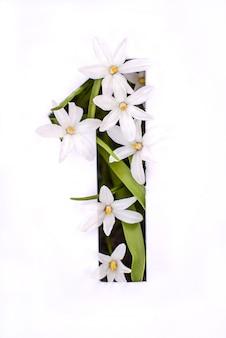 Número uno: plantilla blanca con flores pequeñas