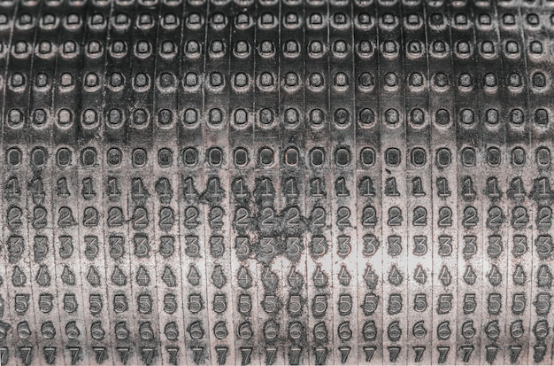 Números de pieza en el viejo tambor de la imprenta