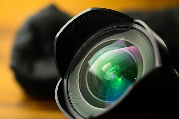 Un objetivo de cámara dslr