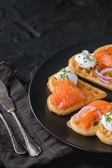 Oblea con salmón salado