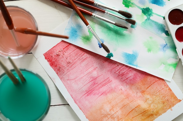 Obra abstracta pintura con acuarela. vista superior