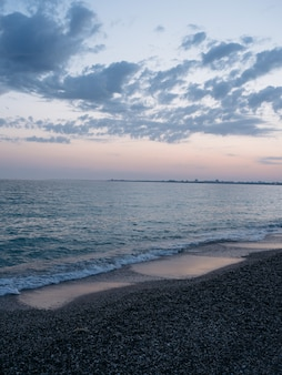 Océano olas playa paisaje vista superior viajes