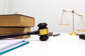 Balanza fotos y vectores gratis for Escritorio de abogado