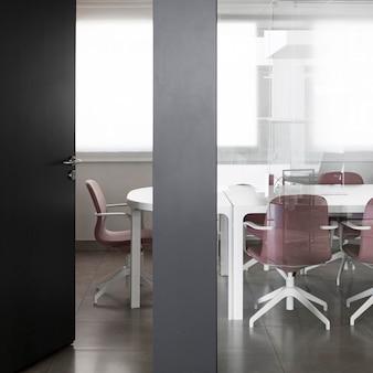 Oficina de negocios sin gente