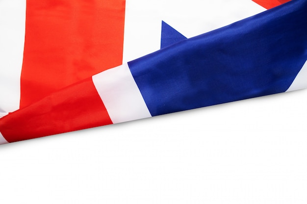Ondulado bandera de reino unido en blanco