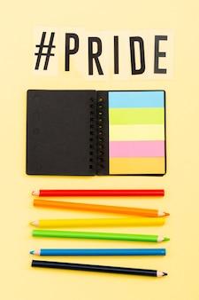 Orgullo lgbt sociedad día post-it notas y lápices