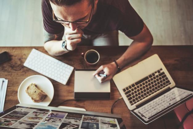 Overload trabajo carrera concepto de trabajo contemporáneo