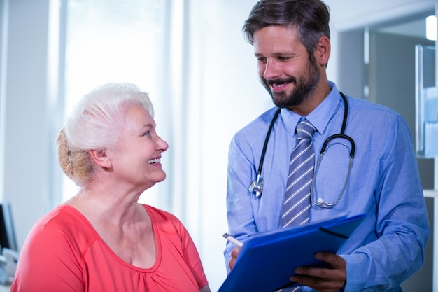 Paciente consultar a un médico