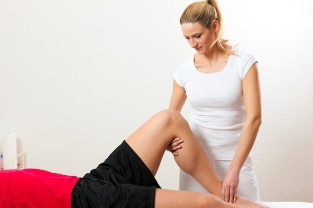 Paciente en la fisioterapia.