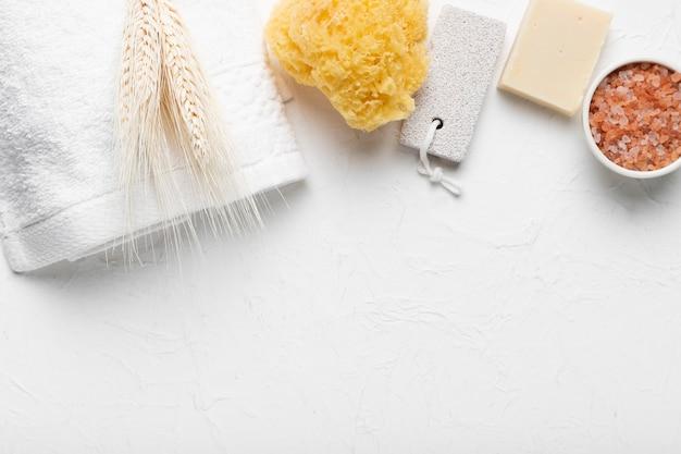 Pack conceptual con productos para baño
