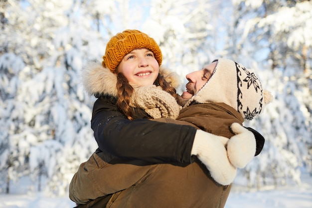 Padre e hija en winter park