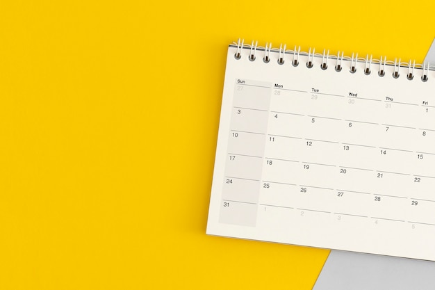 Página de calendario sobre fondo de color. planificación empresarial