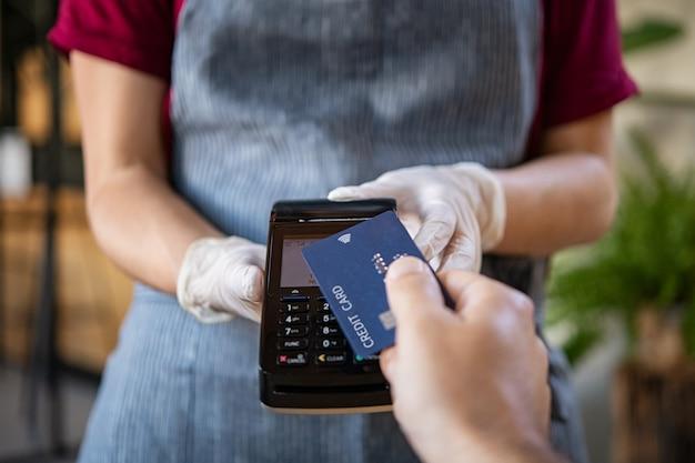 Pago sin contacto con tarjeta de crédito
