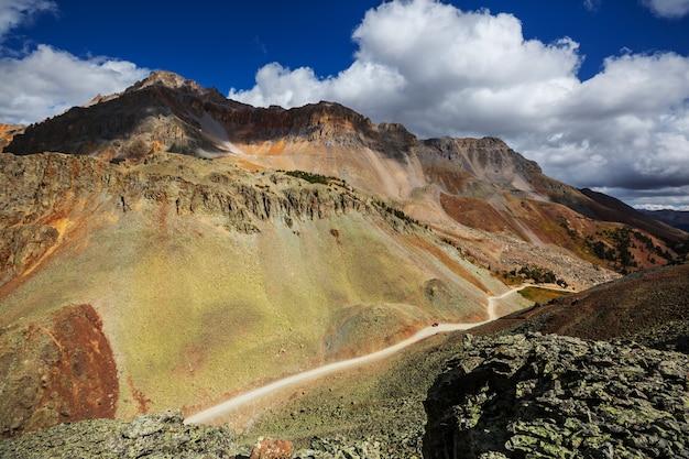 Paisaje de montaña en las montañas rocosas de colorado, colorado, estados unidos.
