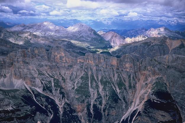Paisaje natural de las montañas