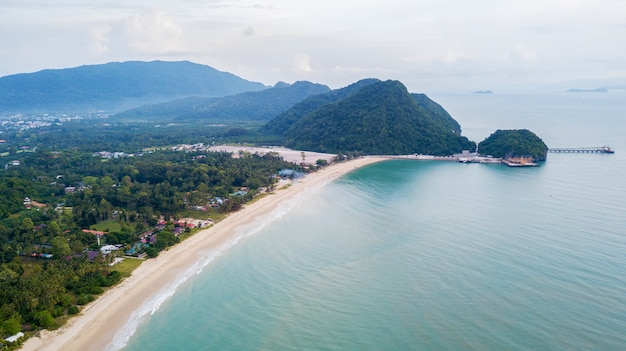 Paisaje de la playa de khanom, nakhon sri thammarat