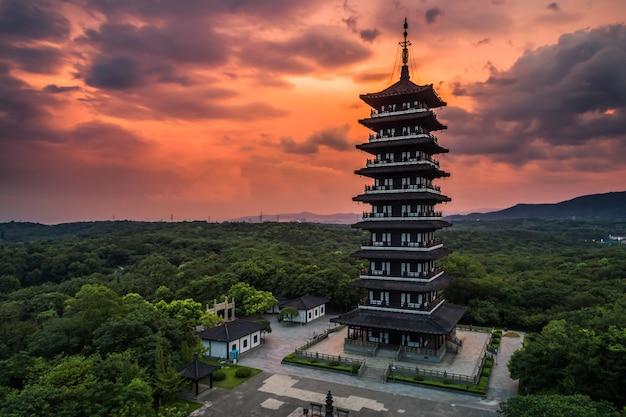 Paisaje con puesta de sol en yixing