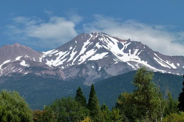 Paisaje sashta california, ee.uu. mt volcán montaña