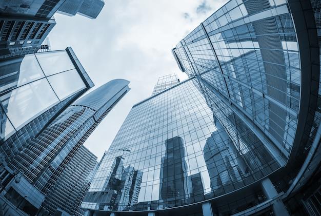 Paisaje de siluetas de rascacielos en la ciudad