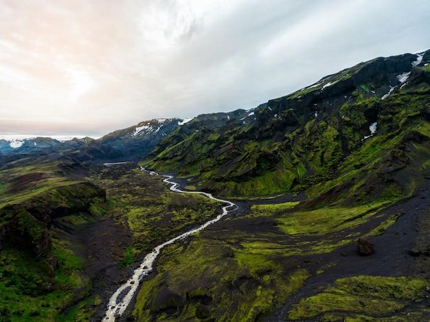 Paisaje de tierras altas en islandia