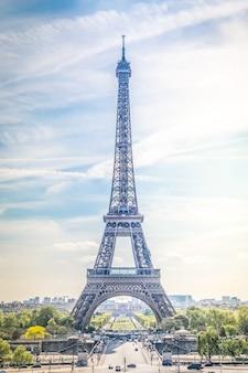 Paisaje de la torre eiffel en parís