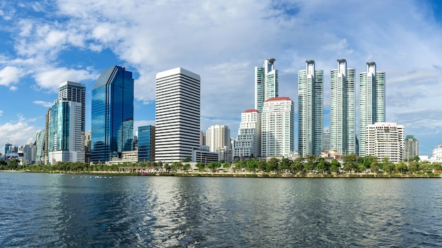 Paisaje urbano, distrito financiero, ciudad, reflexión, panorámico, paisaje, bangkok, tailandia