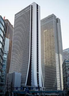 Paisaje urbano de rascacielos de país asiático