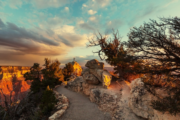 Paisajes pintorescos del gran cañón