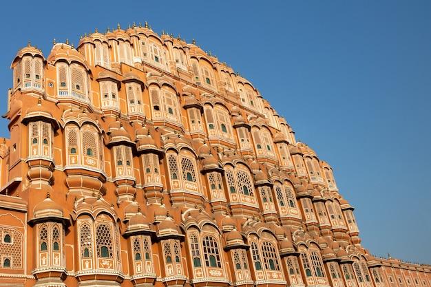 Palacio de hawa mahal en jaipur rajasthan la india.