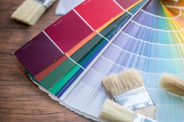 Paleta de colores, guía del catálogo de muestras de pintura