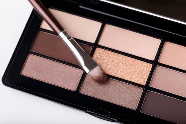 Paleta profesional de sombras de ojos en colores pastel