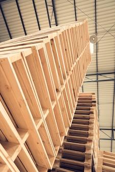 Paletas de madera ordenar por es alto en la industria
