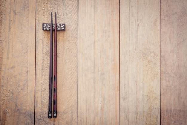 Palillos de madera.