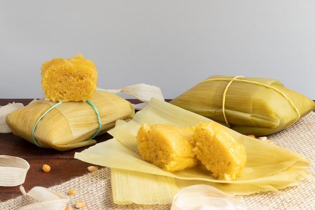 Pamonha tradicional (bocadillo de maíz). fiesta de junina.