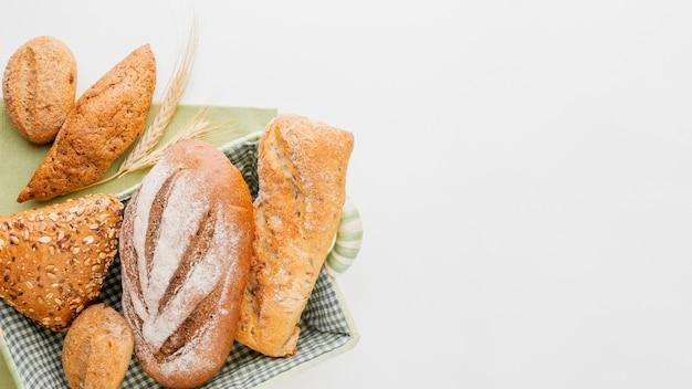 Pan diferente en la canasta
