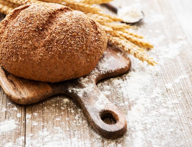 Pan con espigas y harina