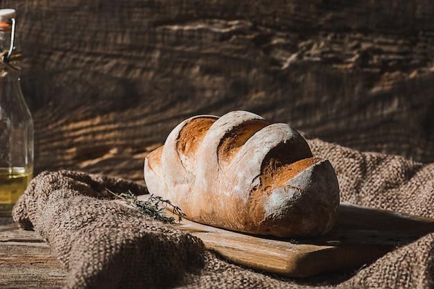 Pan fresco en primer plano de la mesa