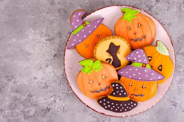 Pan de jengibre casero con fotos para halloween.