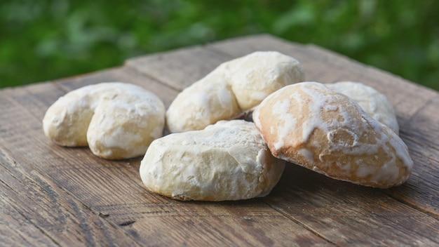 Pan de jengibre casero en glaseado de azúcar